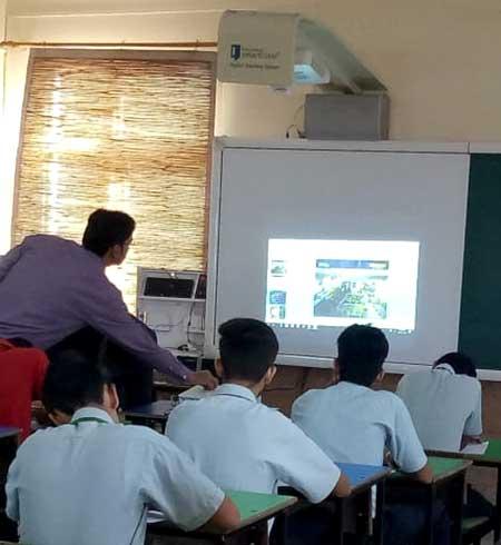 Smart Classes by Universal Academy Dehradun